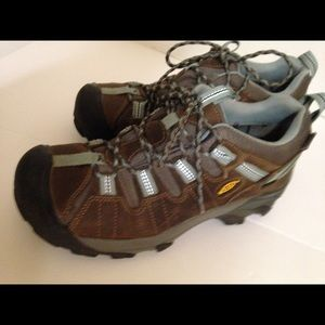 Keen shoes size 8 Blue and brown